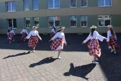 Savo veiklą mokiniams pristatė Marijampolės dailės mokykla.