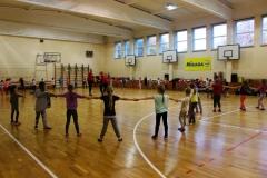 """""""Sūduvos"""" komandos krepšininkės aplankė progimnazijos pradinukes"""